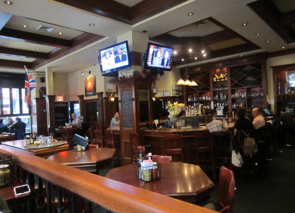 Houdstooth Pub