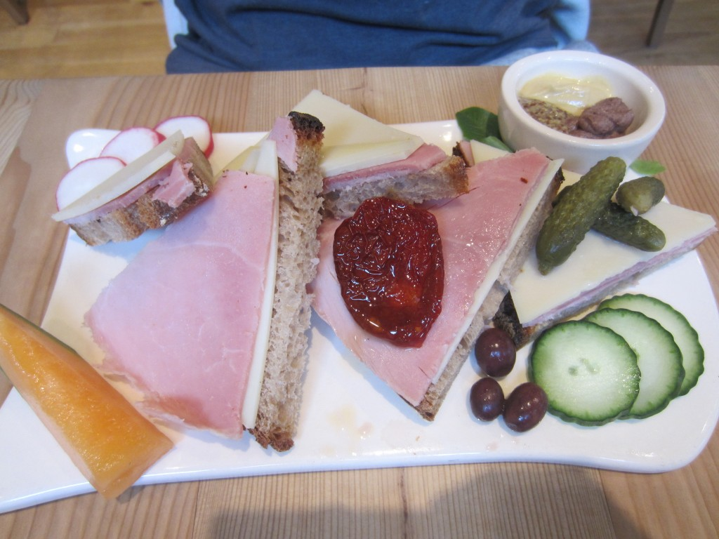 Le Pain Quotidien Hame & Cheese Tortine