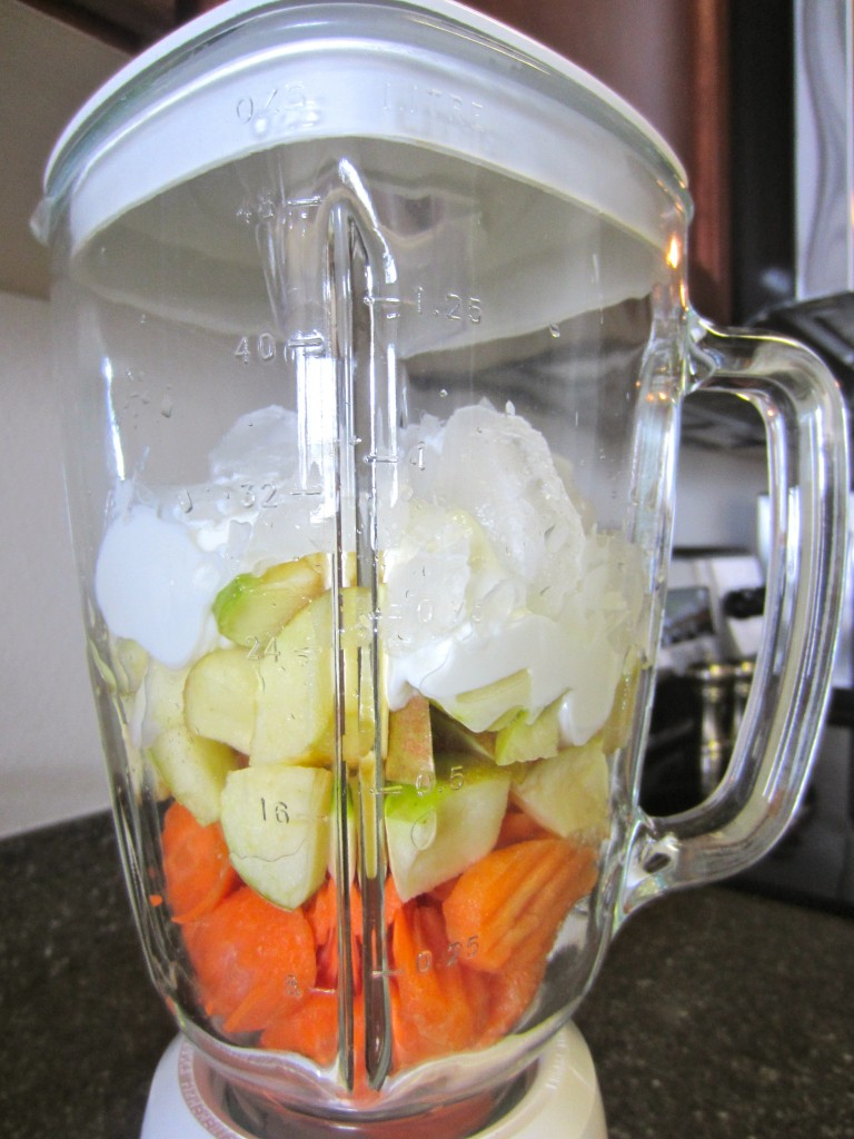 Carrot and apple smoothie ingredients