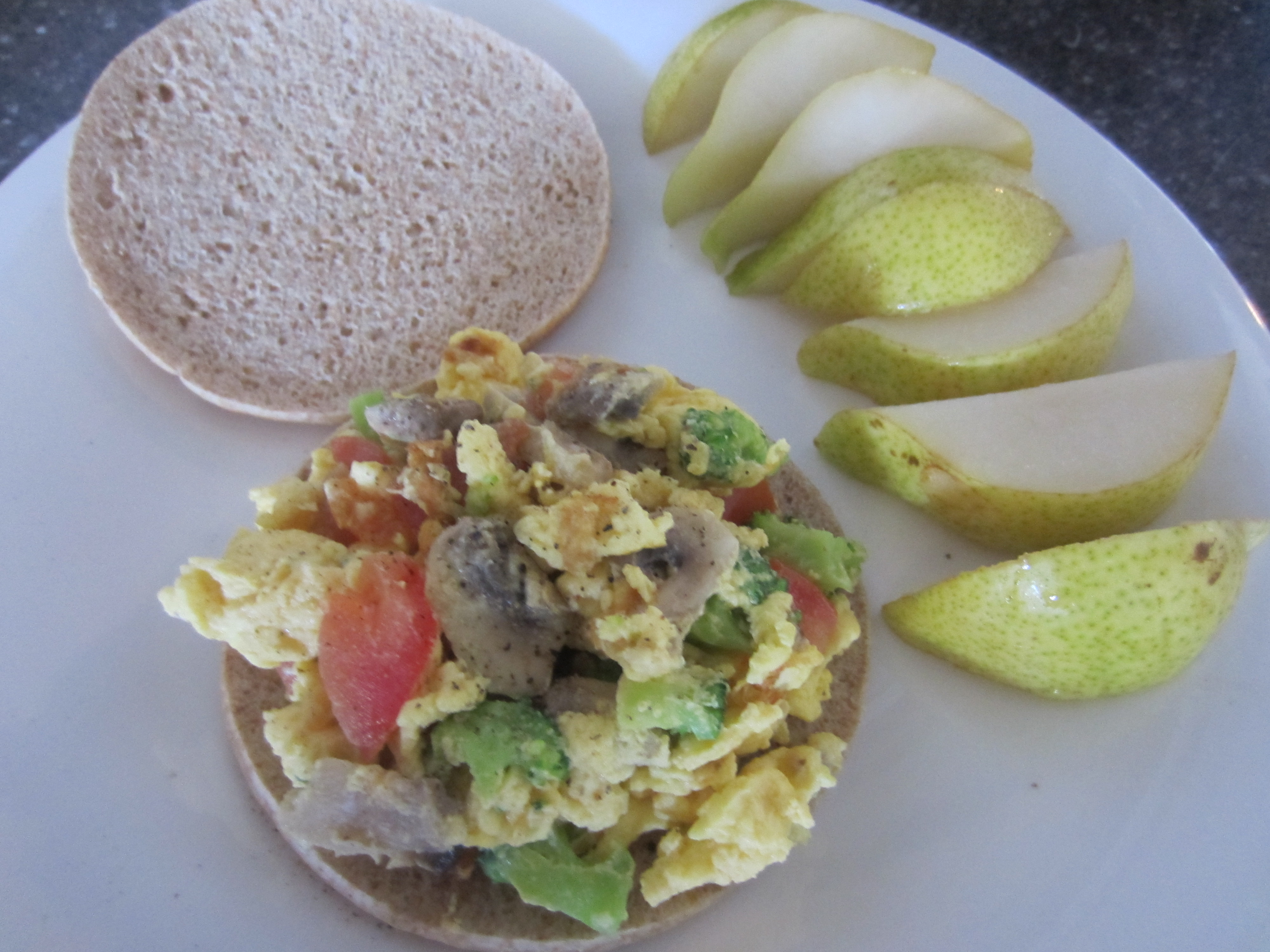 Scrambled egg and veggie sandwich