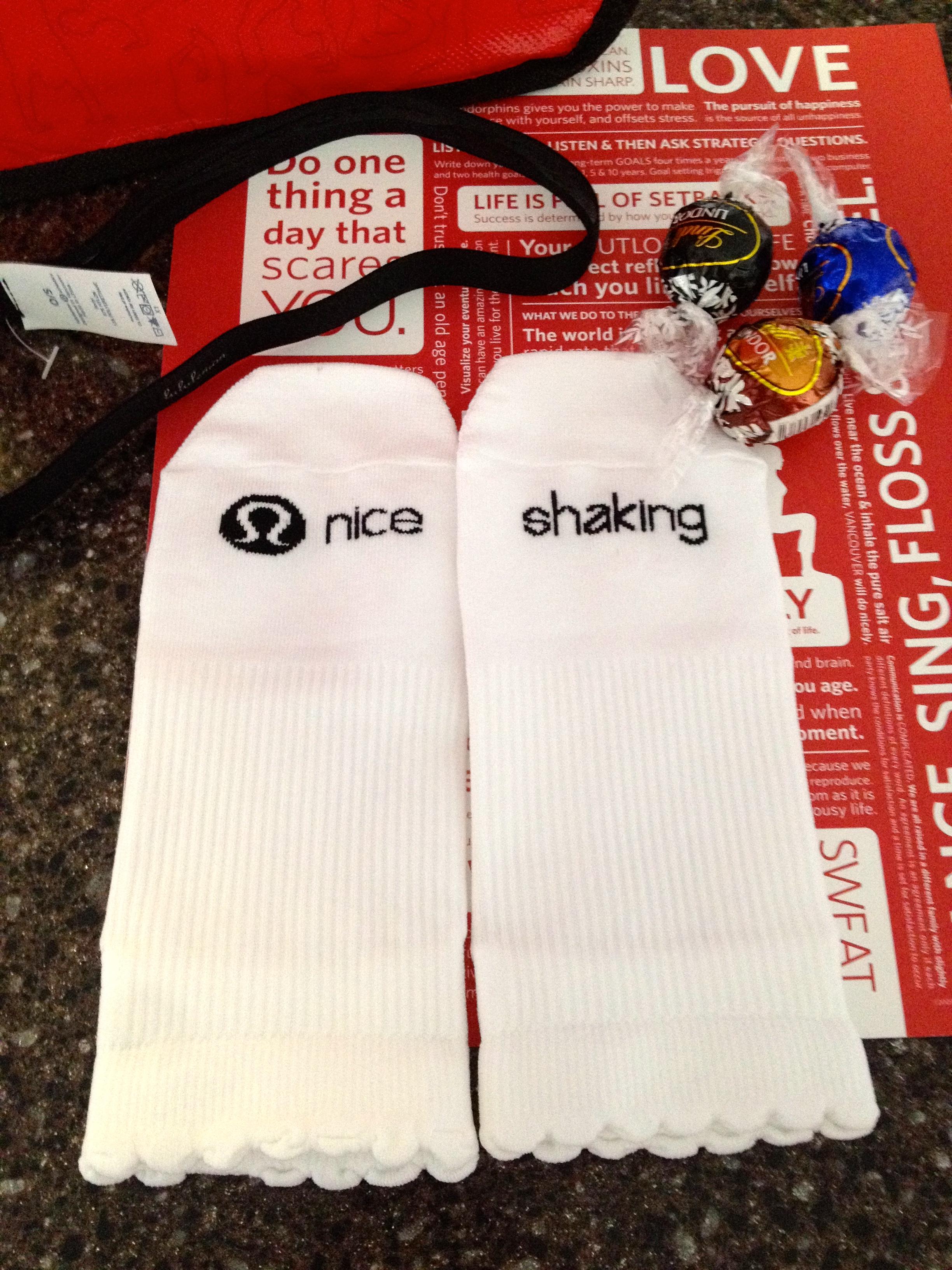 lululemon gift back and barre socks