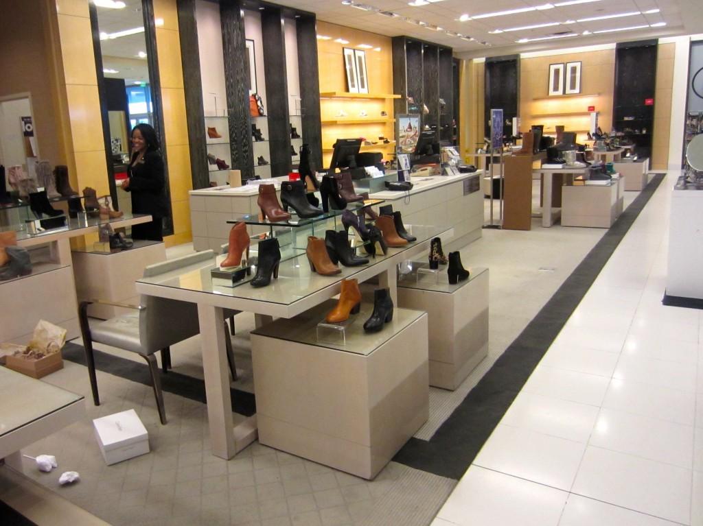 Bloomingdales womens shoes
