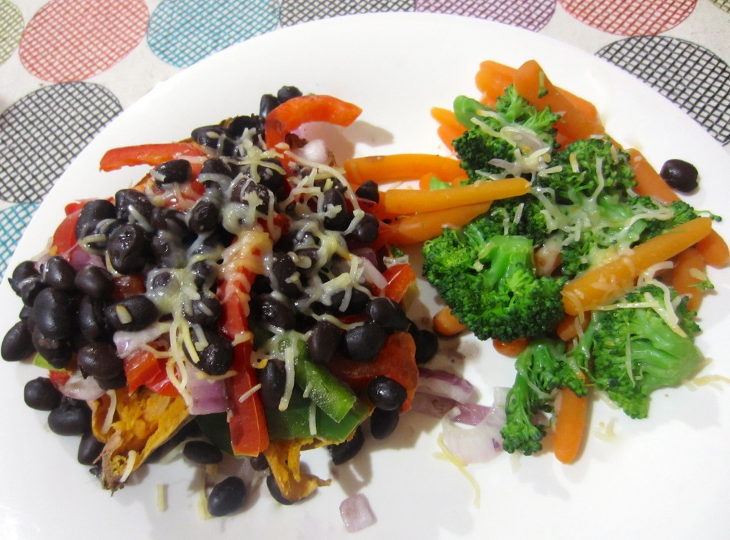 loaded sweet potato with veggies