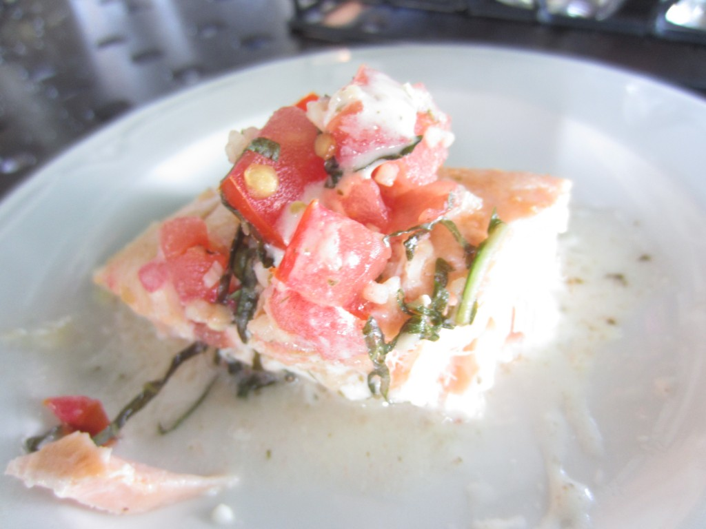 salmon with tomato basil pesto