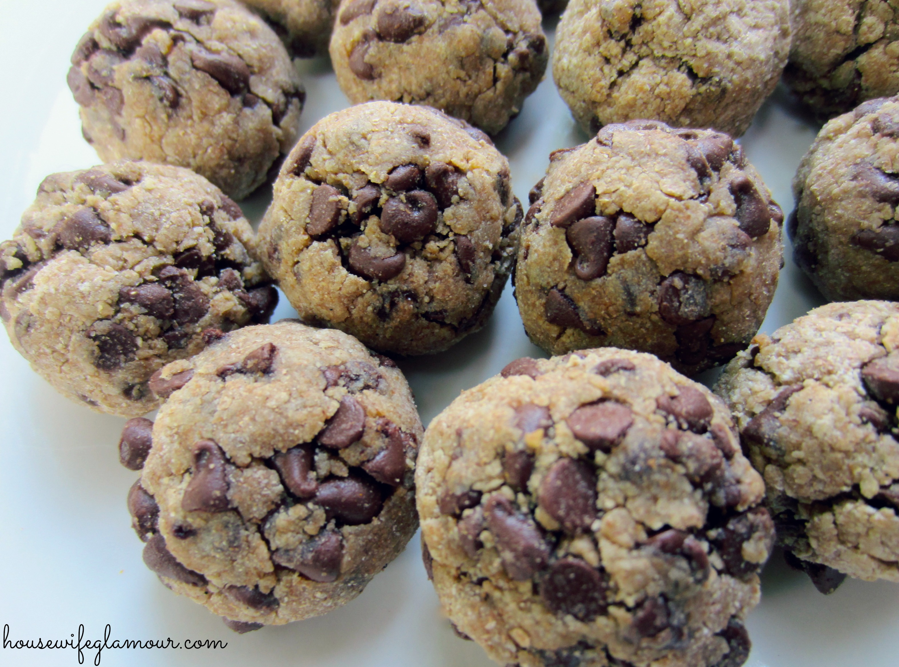 Chocolate Chip Protein Bal