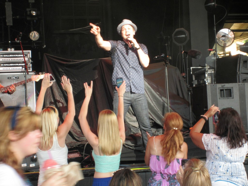 Gavin DeGraw in concert