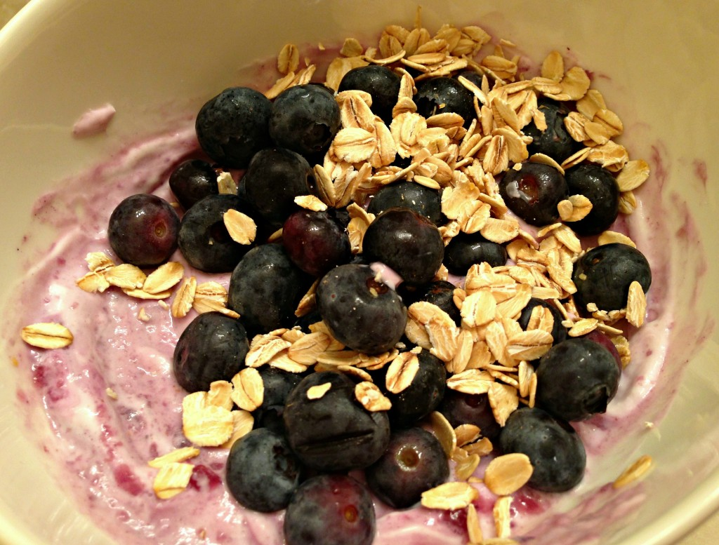healthy yogurt breakfast