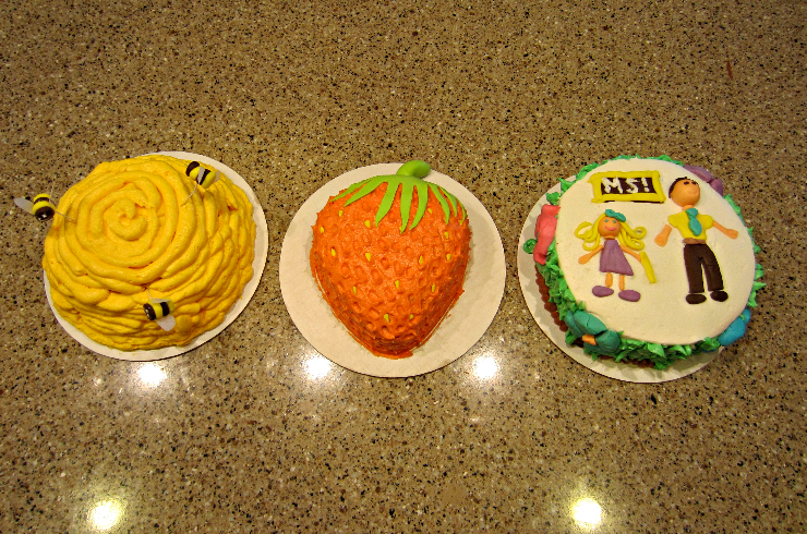 cake decorating with family