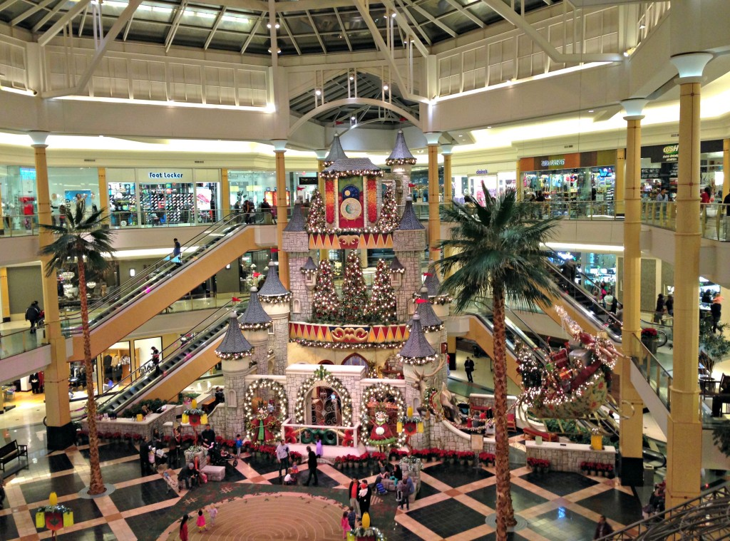 Sommerset Mall christmas decorations