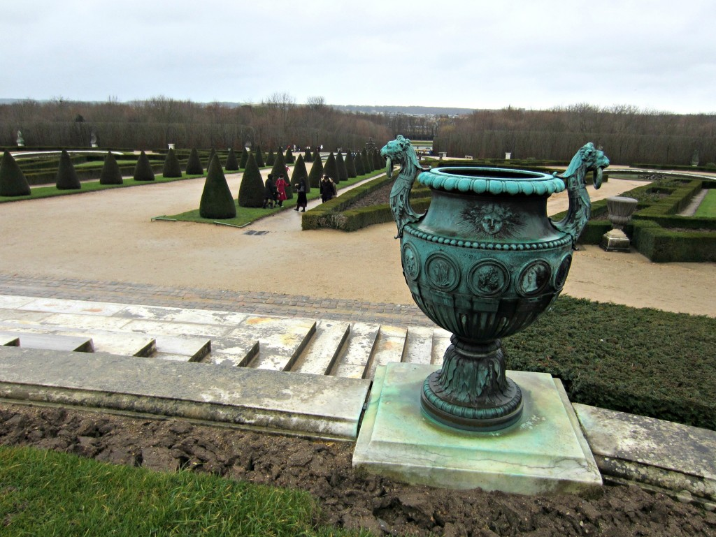 chateau versailles backyard