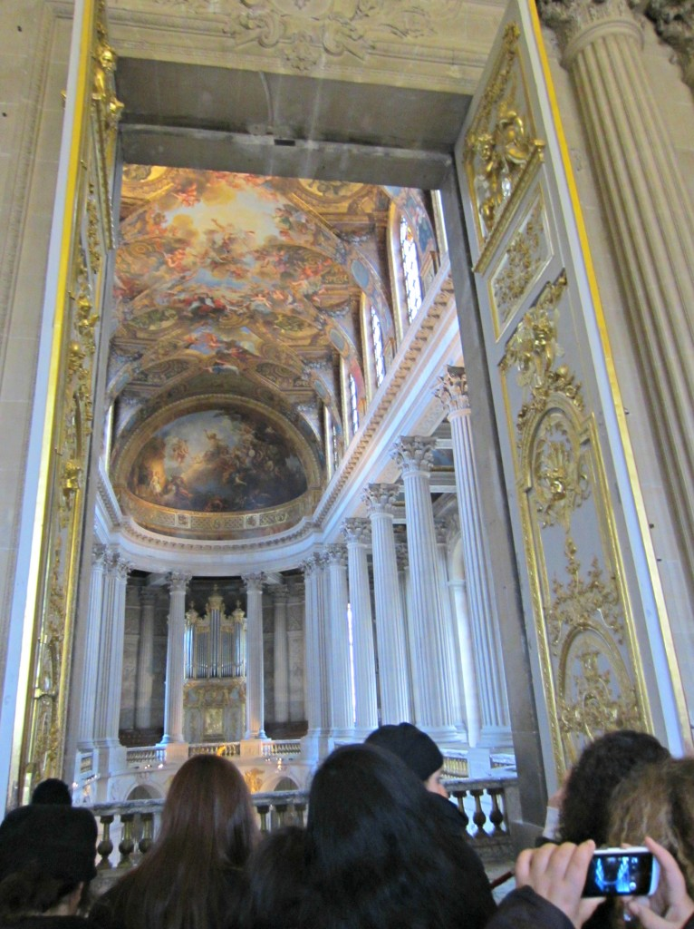 chateau versailles inside cathedral