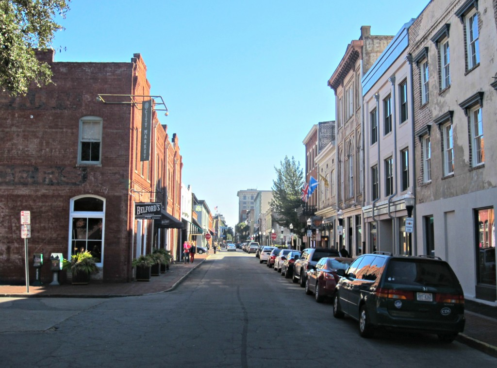 downtown savannah on slow ride tour