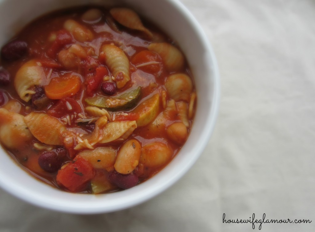 hearty healthy vegetable minestrone