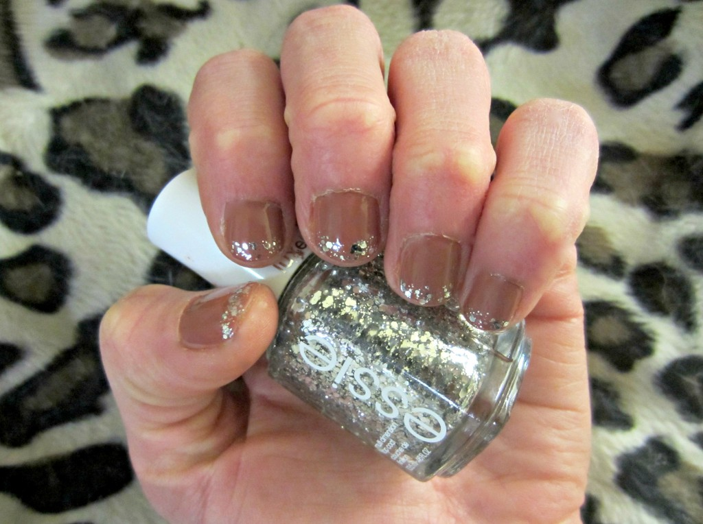 sparkle tips nail design essie
