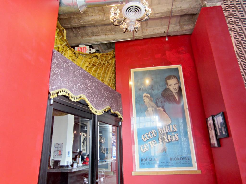 good girls go to paris cafe