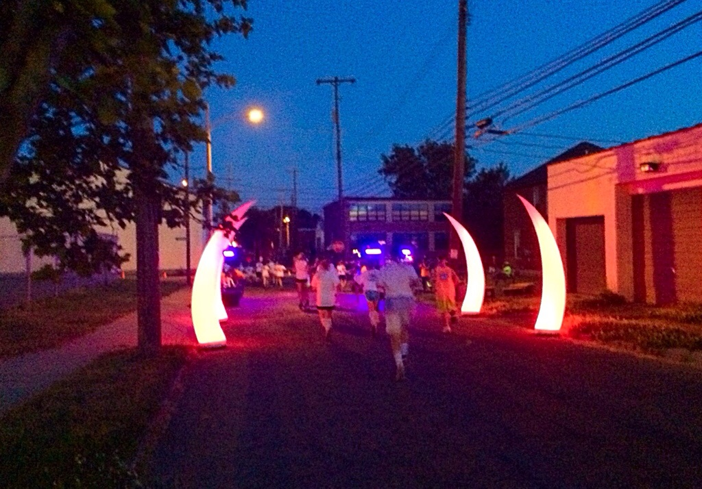 The Neon Dash 5K 2014 color stop