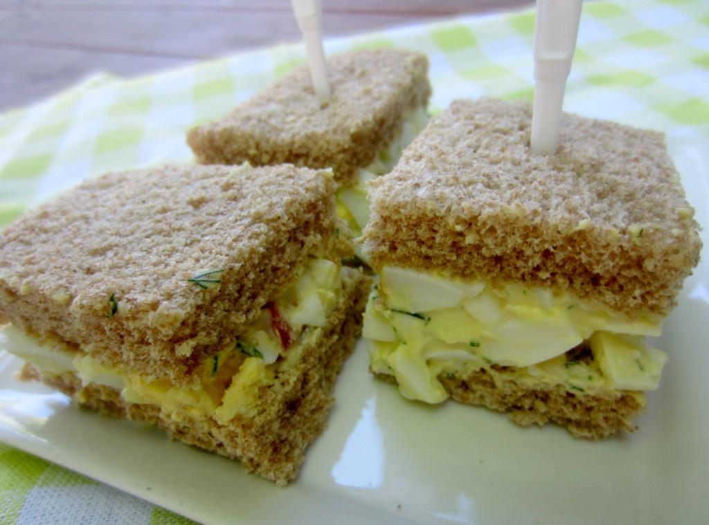 healthy egg salad sandwiches
