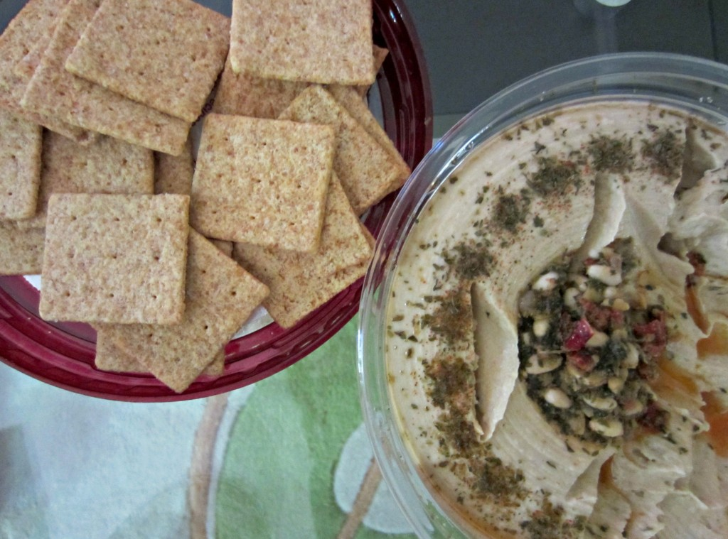 wheat thins and hummus