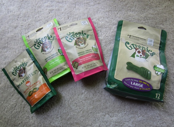 Greenies dental treats for cats and dogs jpg