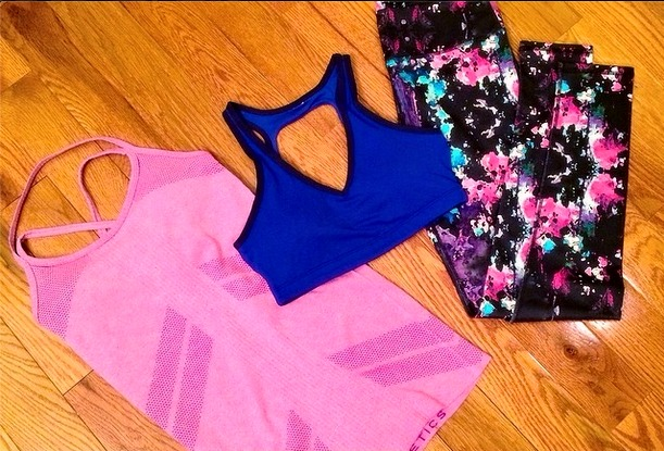 Fabletics tank sports bra and salar leggings