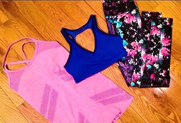 Fabletics tank sports bra and salar leggings