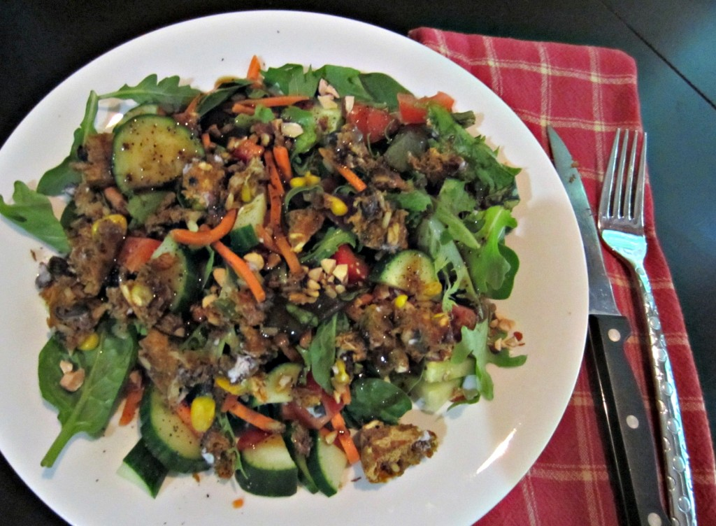 vegetable salad with gardenburger and almonds