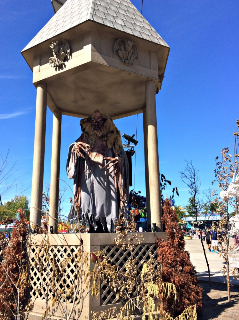 Cedar Point HalloWeekends decor