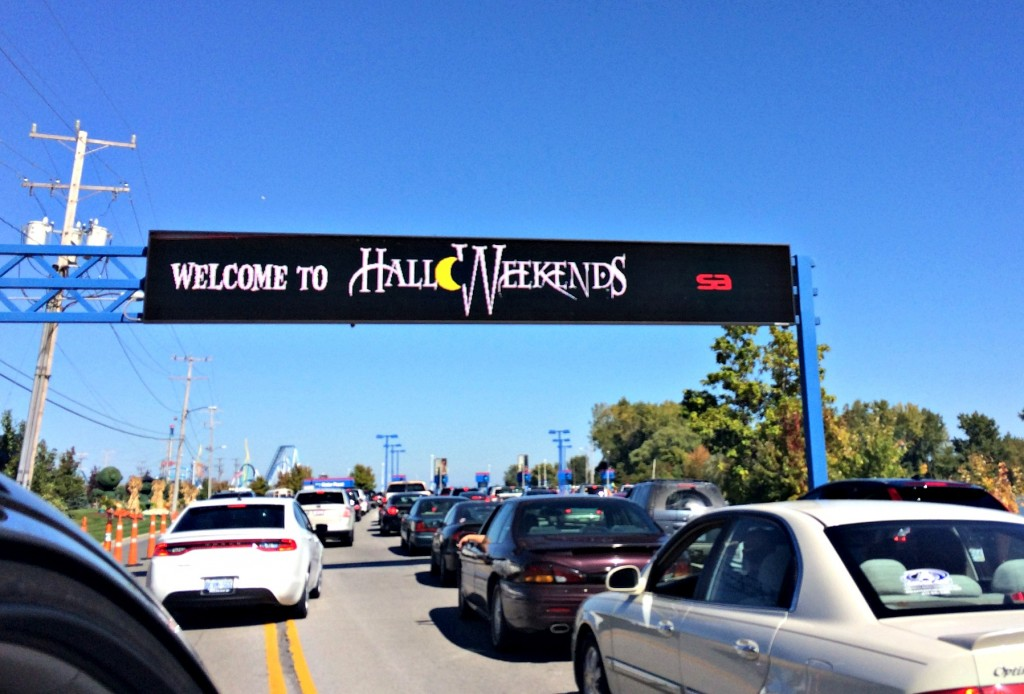 HalloWeekends Cedar Point sign