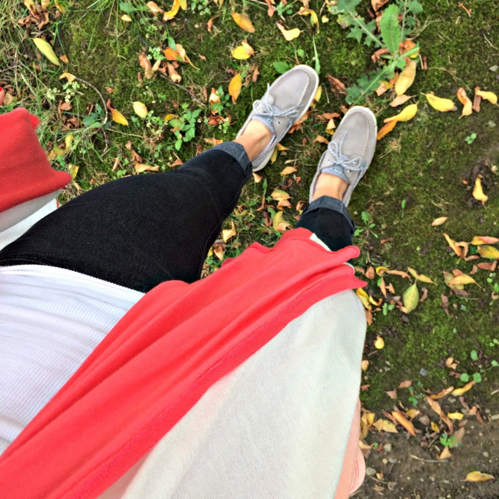 fall walk in sperrys and cardigan