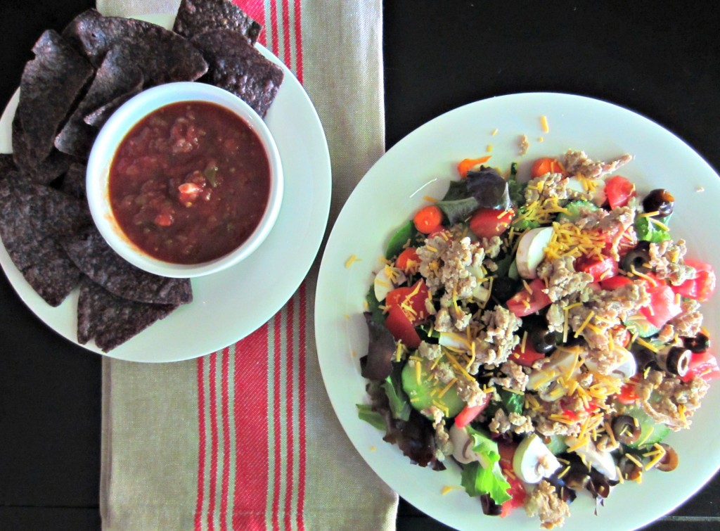 salad with ground turkey and salsa chips