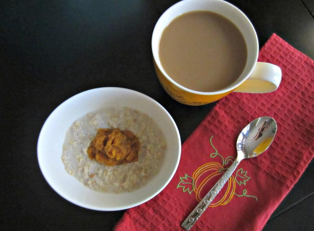 instant pumpkin spice oatmeal breakfast