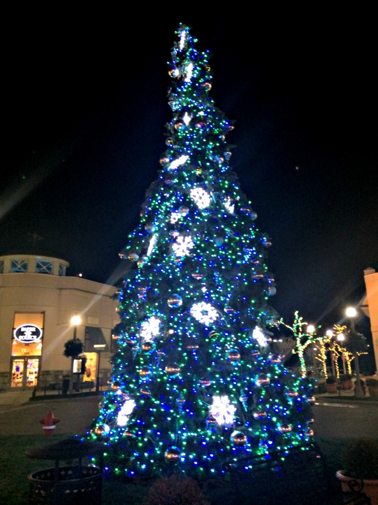 christmas tree the village at rochester hills