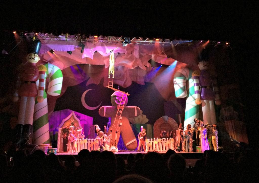 Cirque Dreams Holidaze Detroit