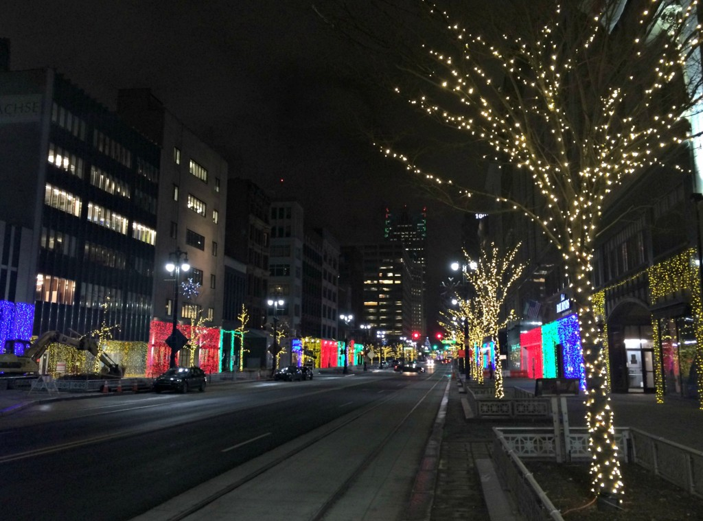 downtown detroit holiday lights