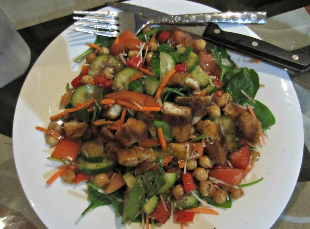 healthy salad with organic chicken strips