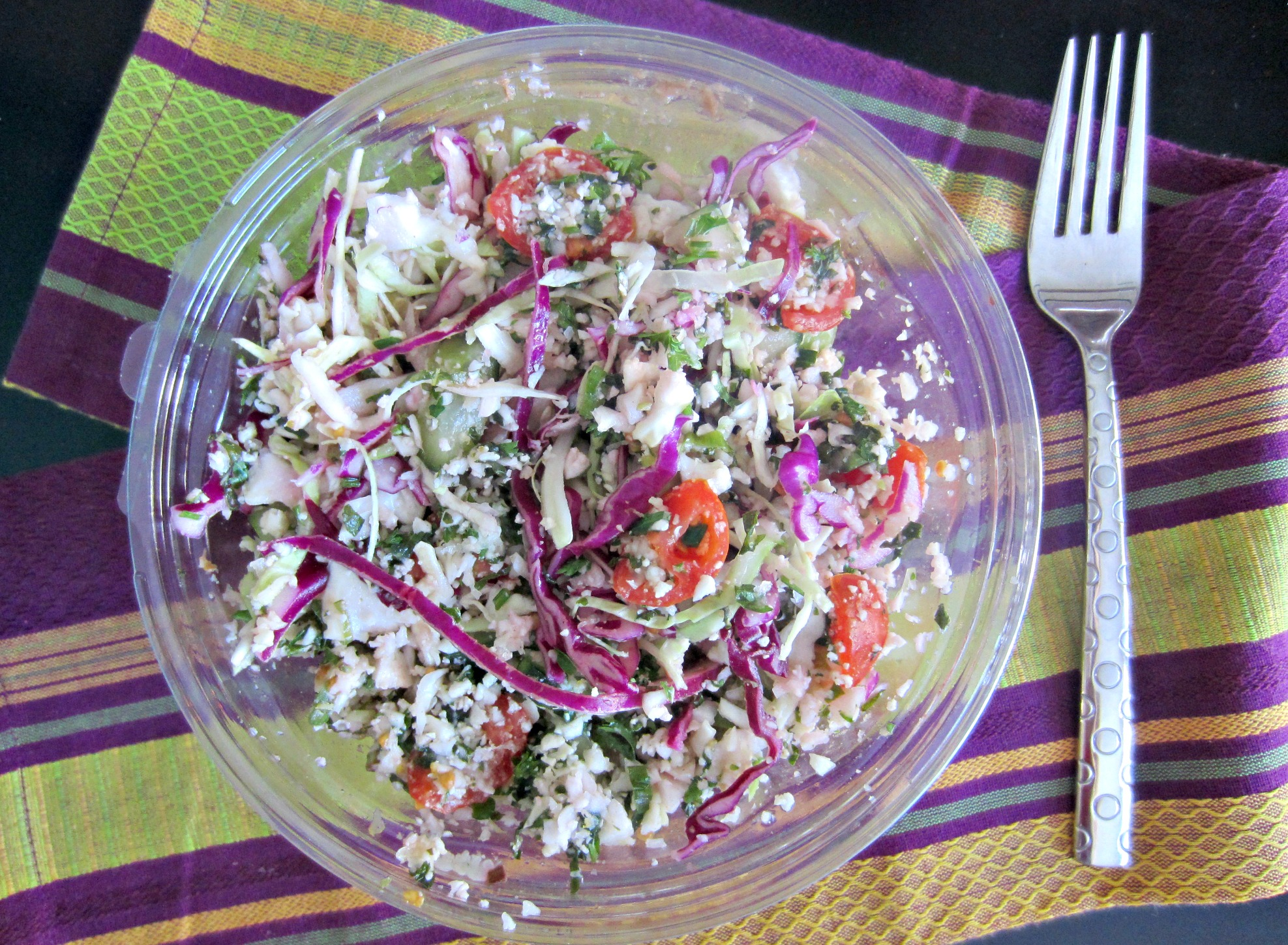 raw califlower tabboulah bowl