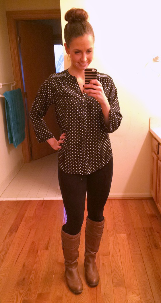 suede leggings and polka dot top with boots fashion