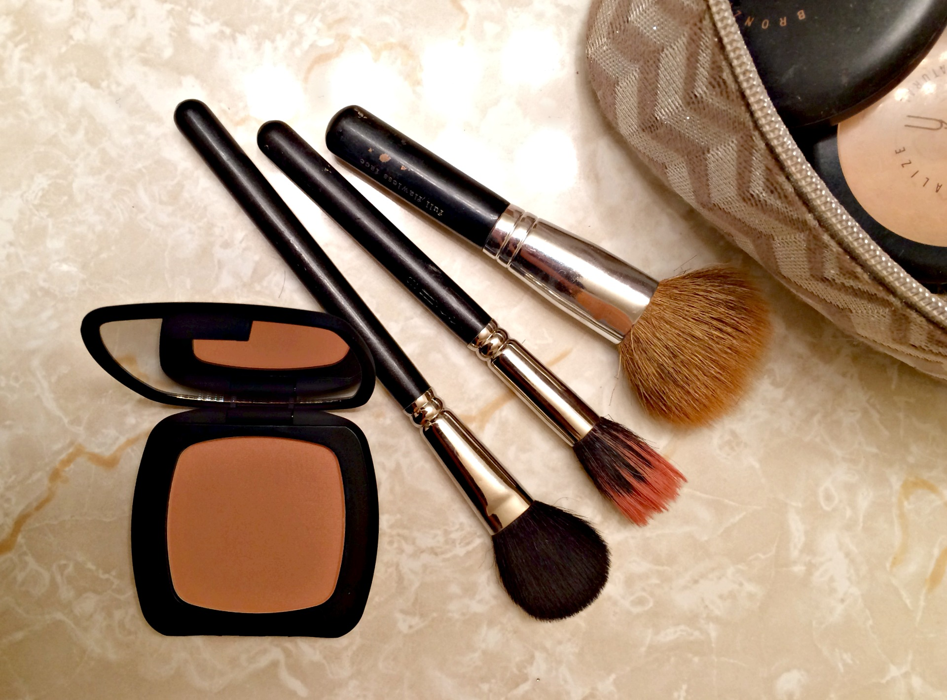 bare minerals bronzer and brushes