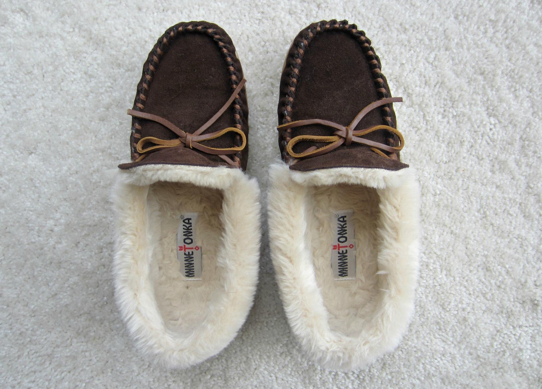 Minnetonka womens slippers