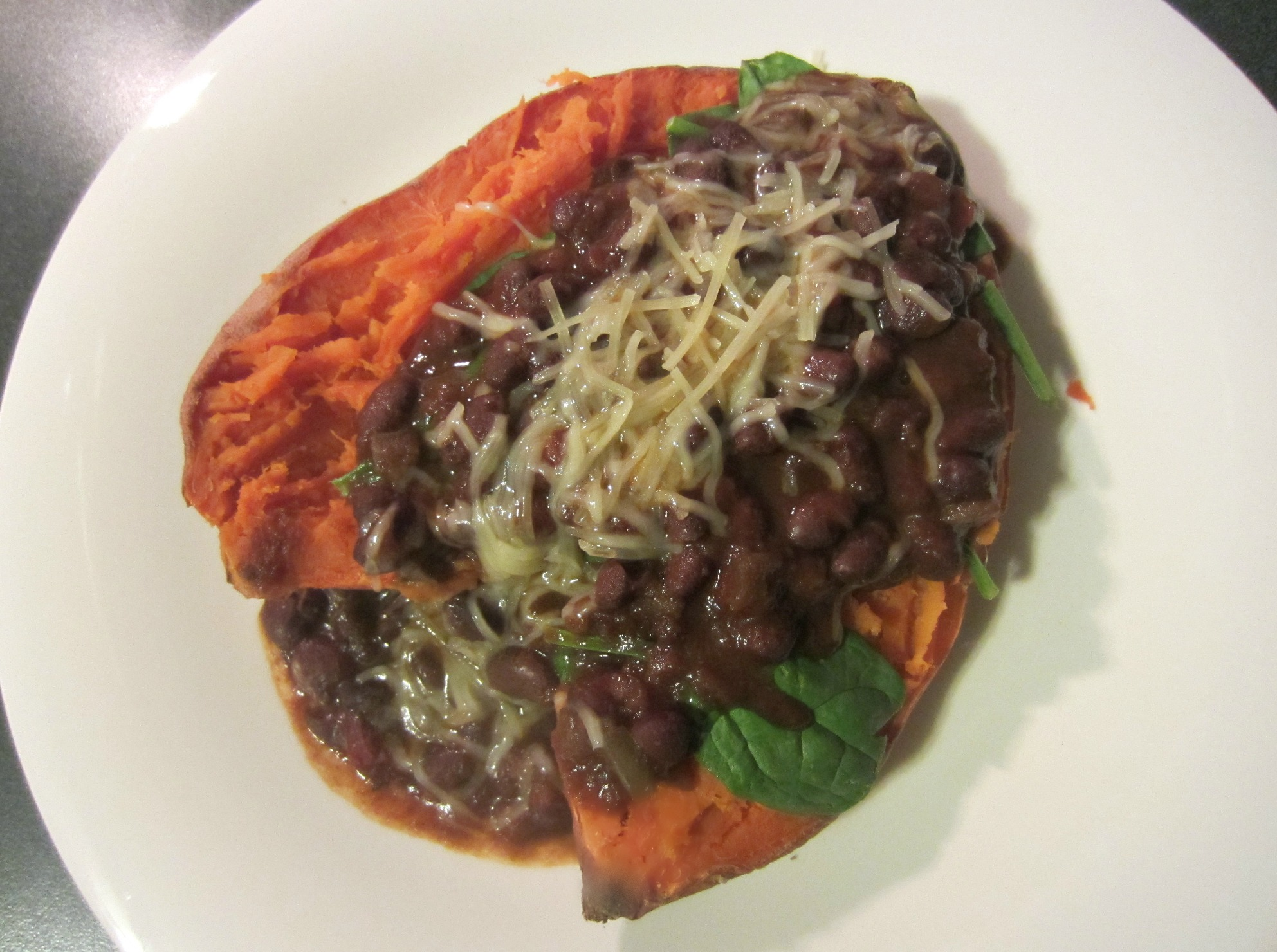 amys chili spinach and cheese over sweet potato