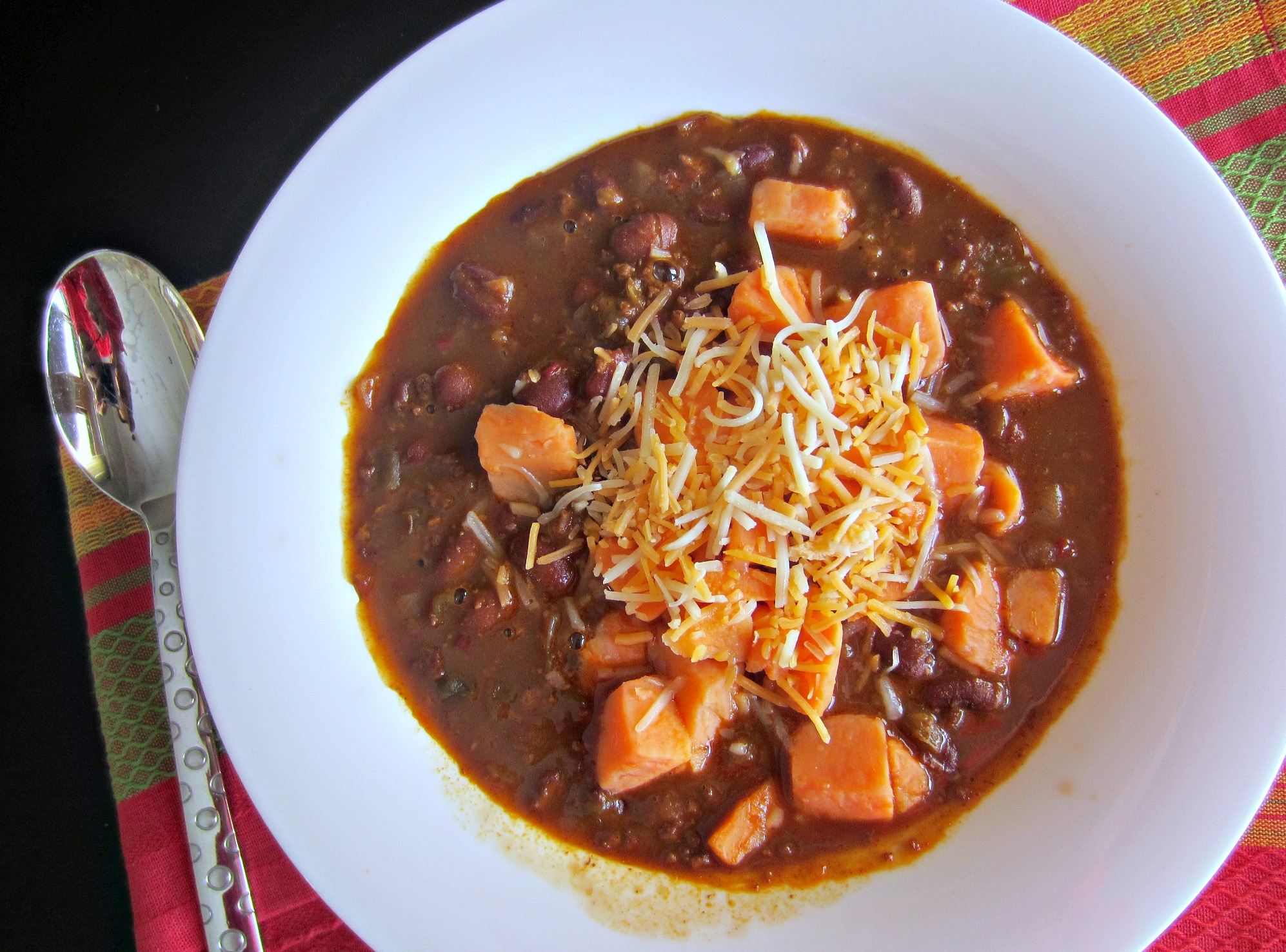 amy's chili with sweet potatoes and cheese
