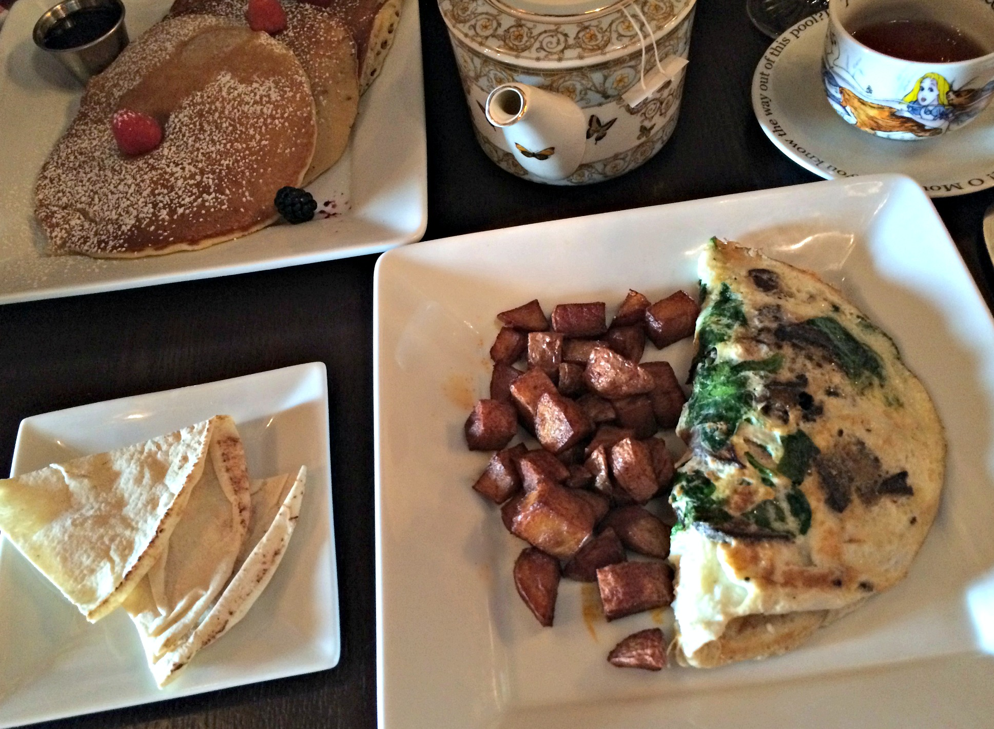 mad hatter bistro brunch