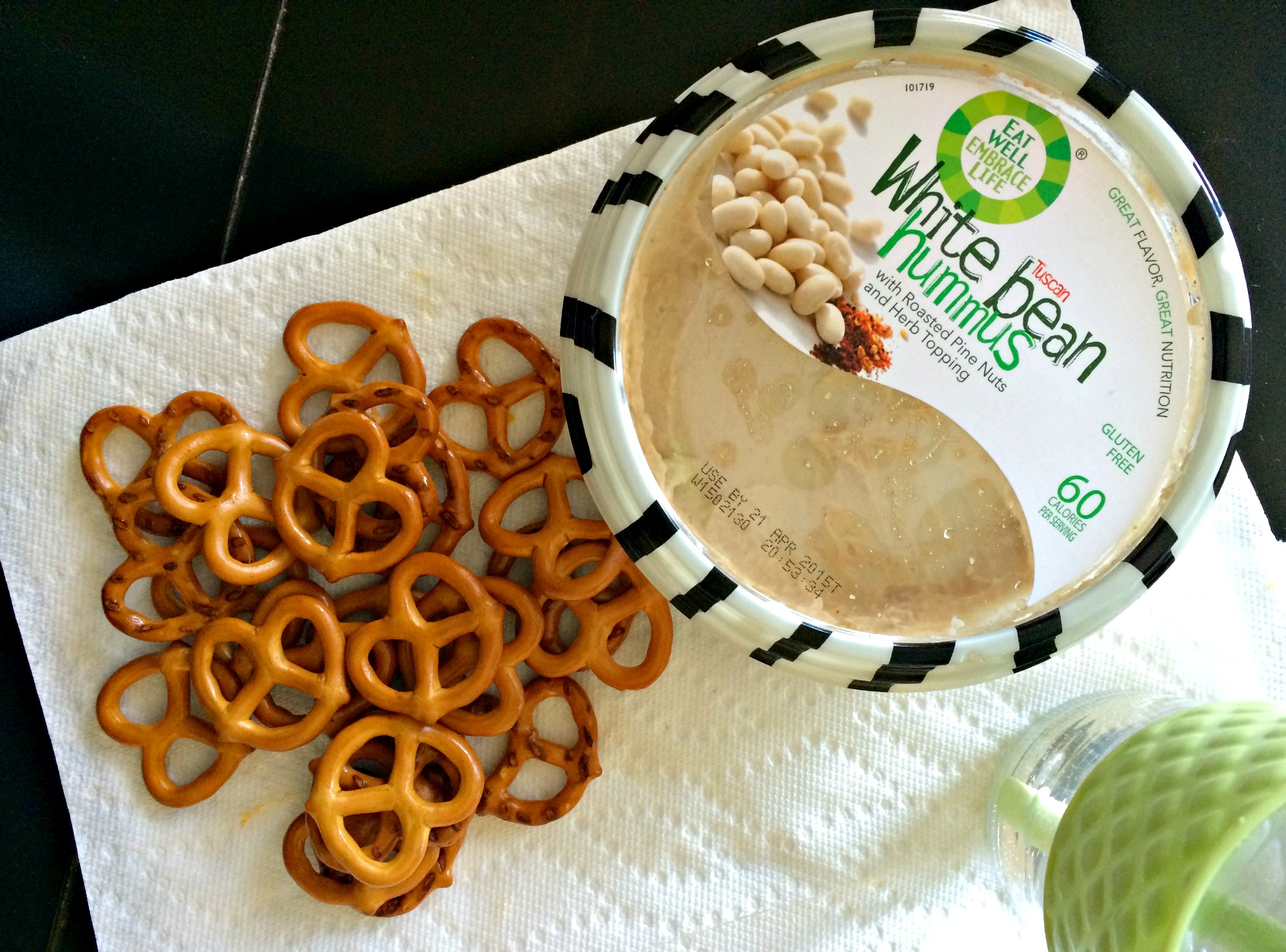 pretzels and white bean hummus