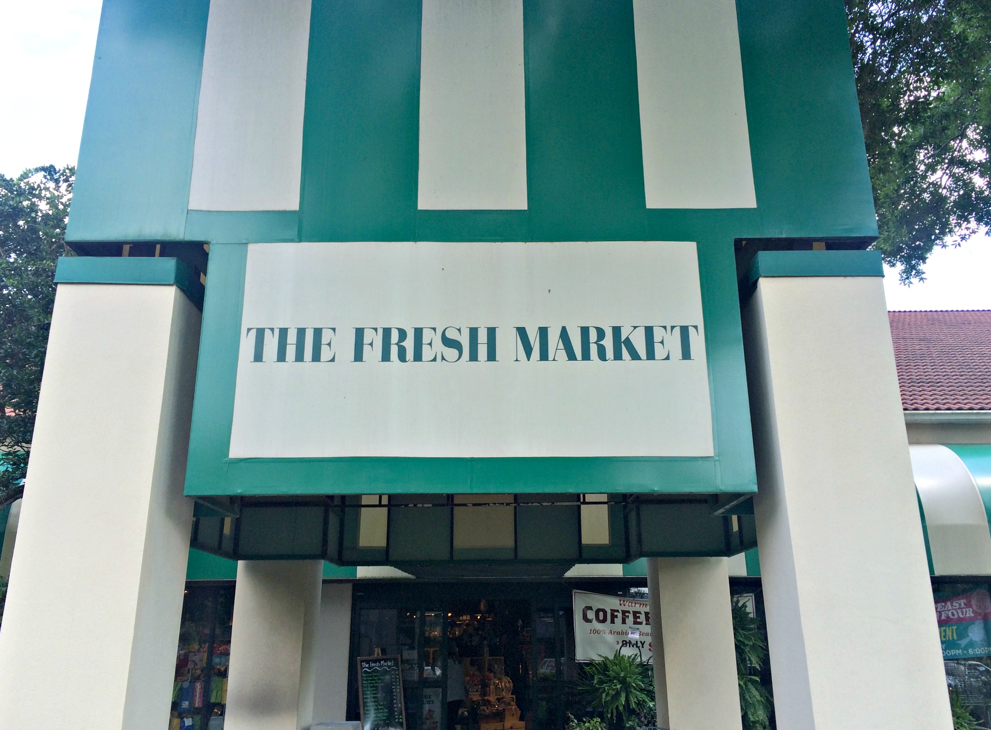 The Fresh Market outside
