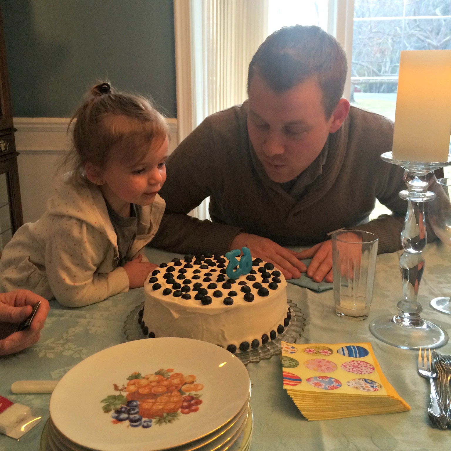 alexs birthday cake with harper