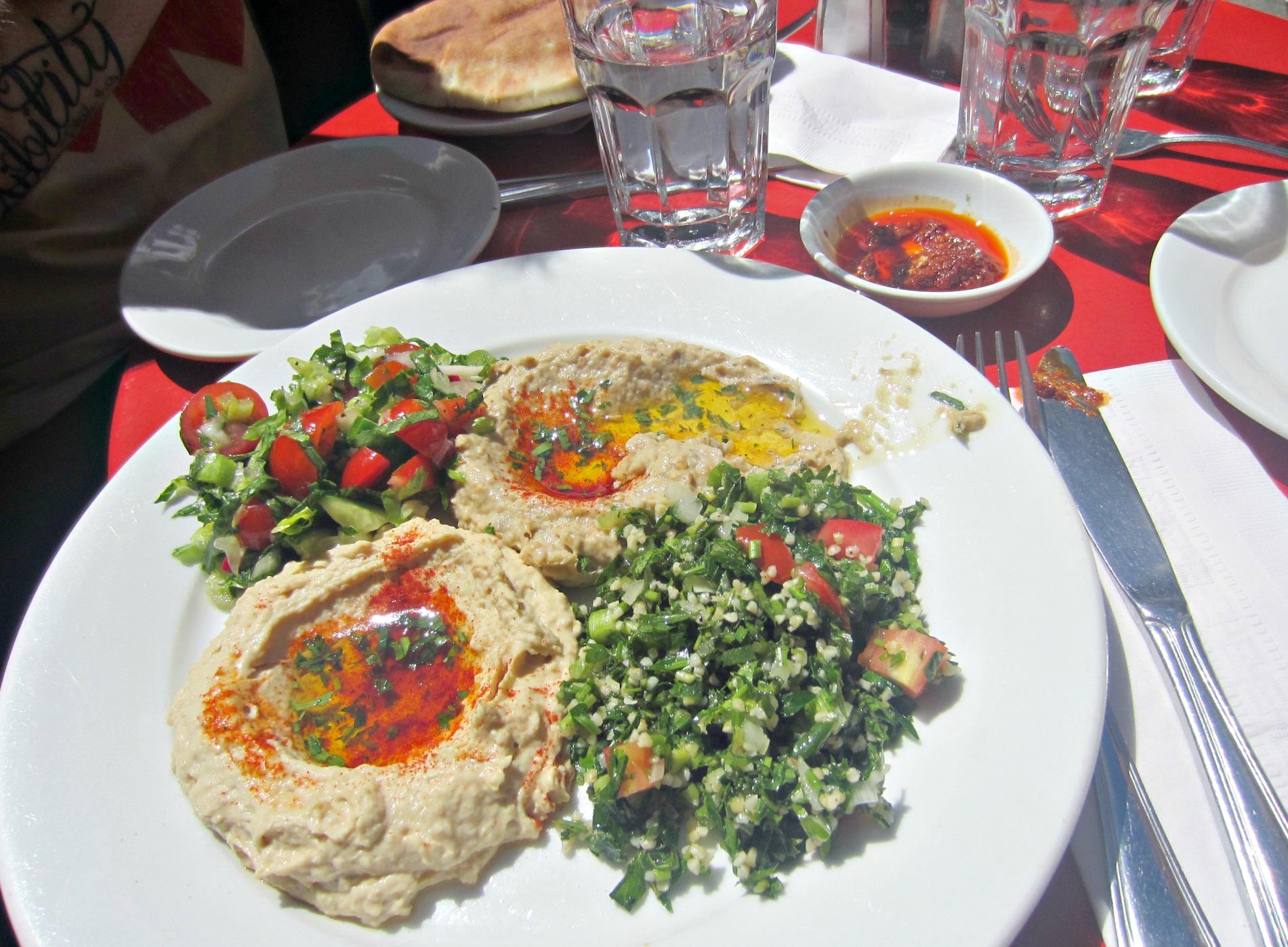 cafe mogador hummus platter