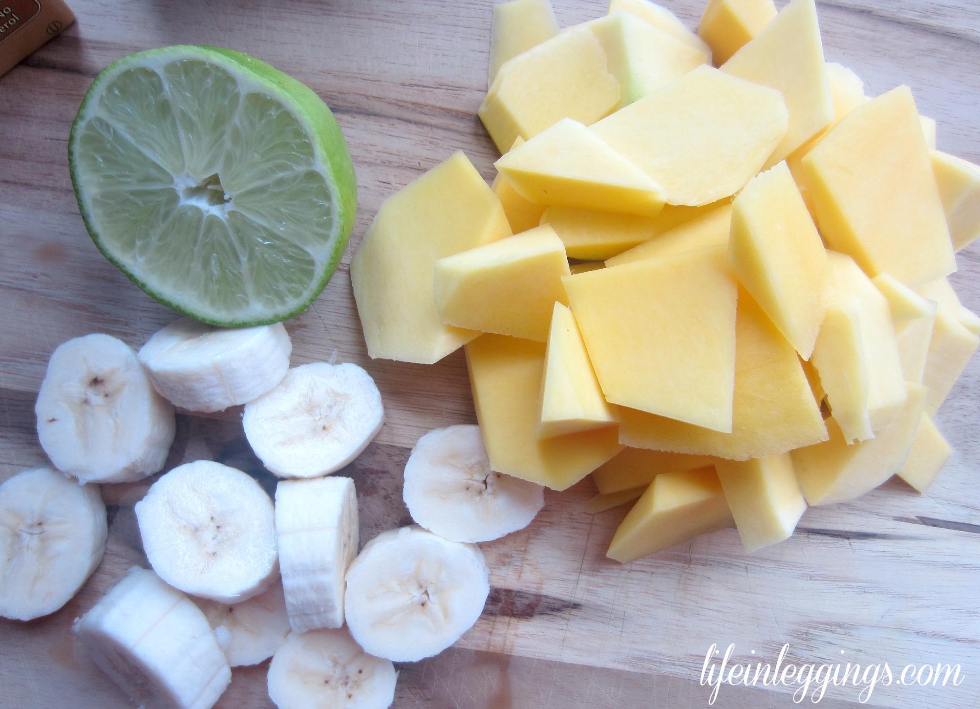 mango coconut banana smoothie ingredients