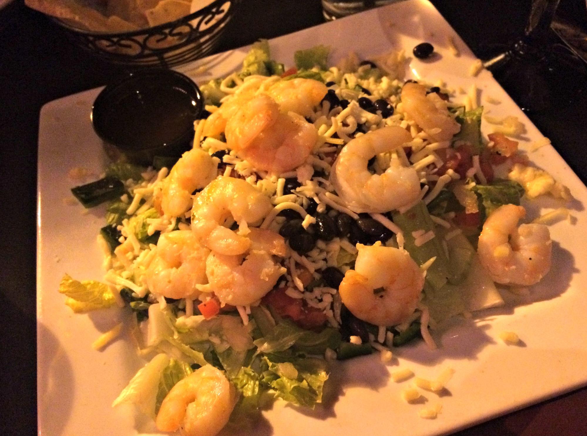 rojo signature salad with shrimp