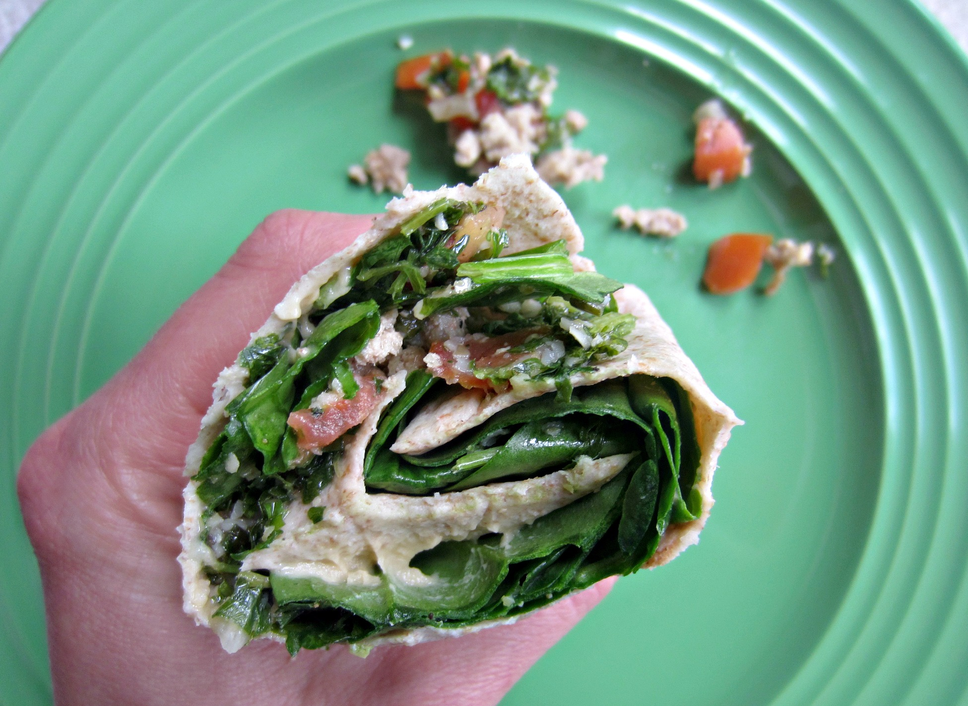 spinach wrap with tabbouleh ground turkey and tomato