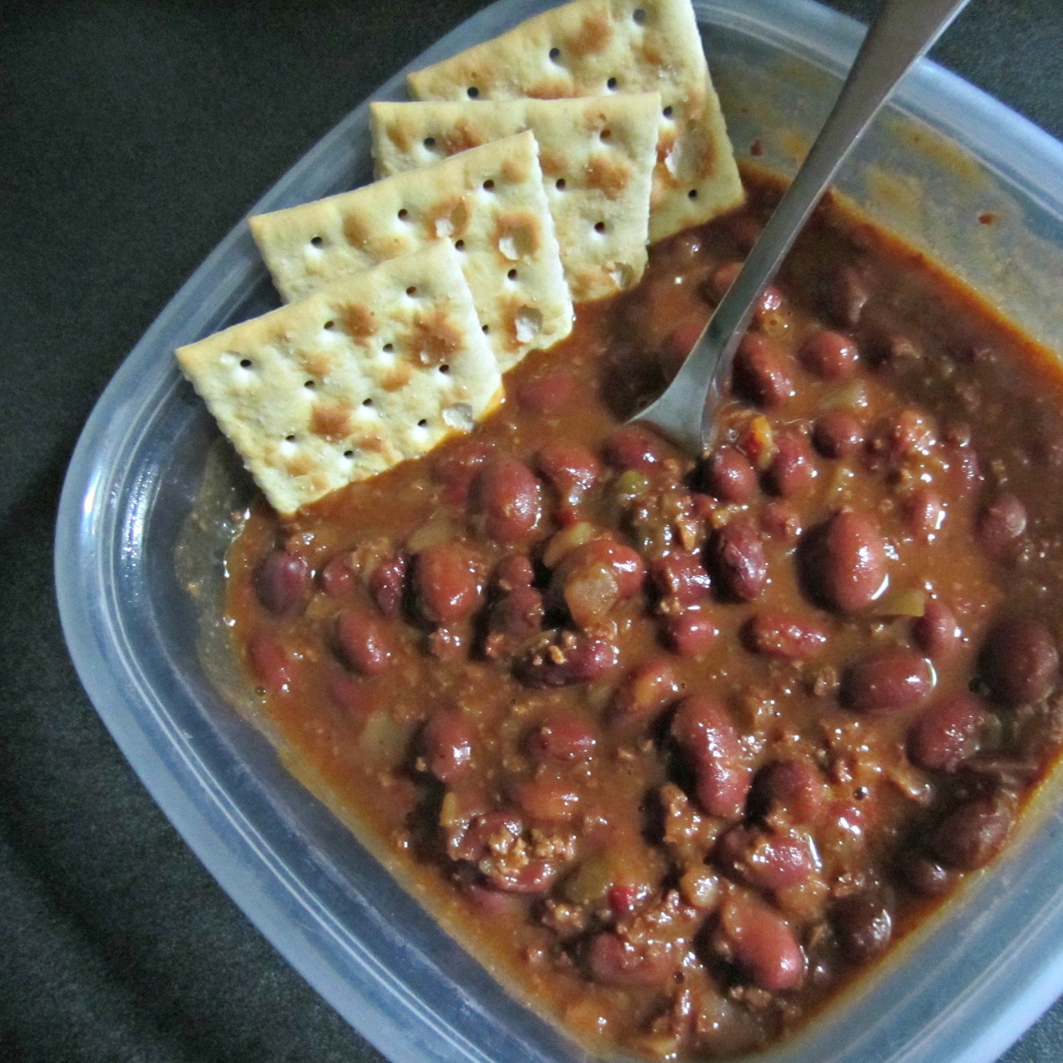 amy's medium chili with crackers